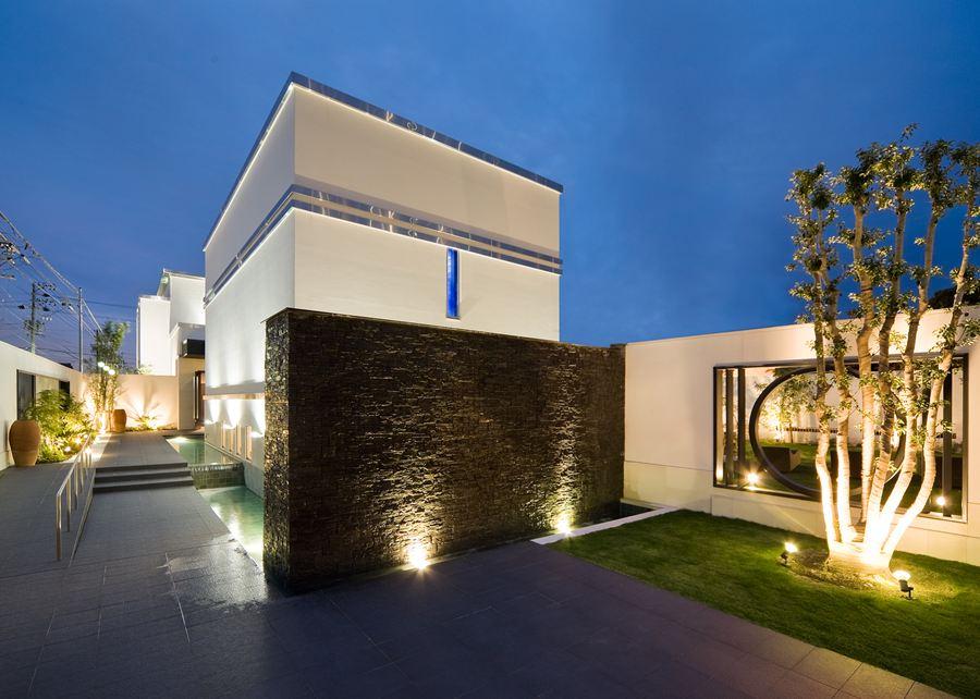 L_HOUSE